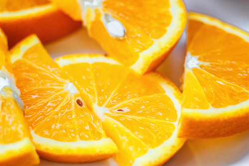 Eating Foods High in Vitamin C Cuts Risk of Age-related Cataracts, According to Study